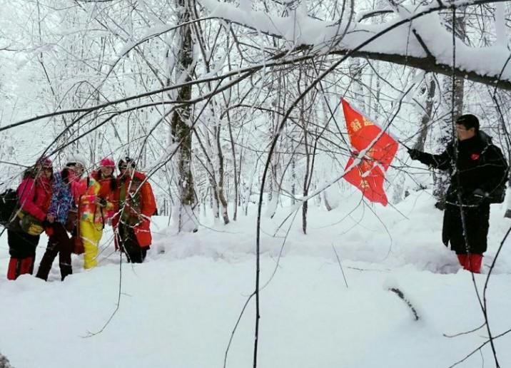 冬之韵~在纷飞的雪中漫步是一件浪漫的事