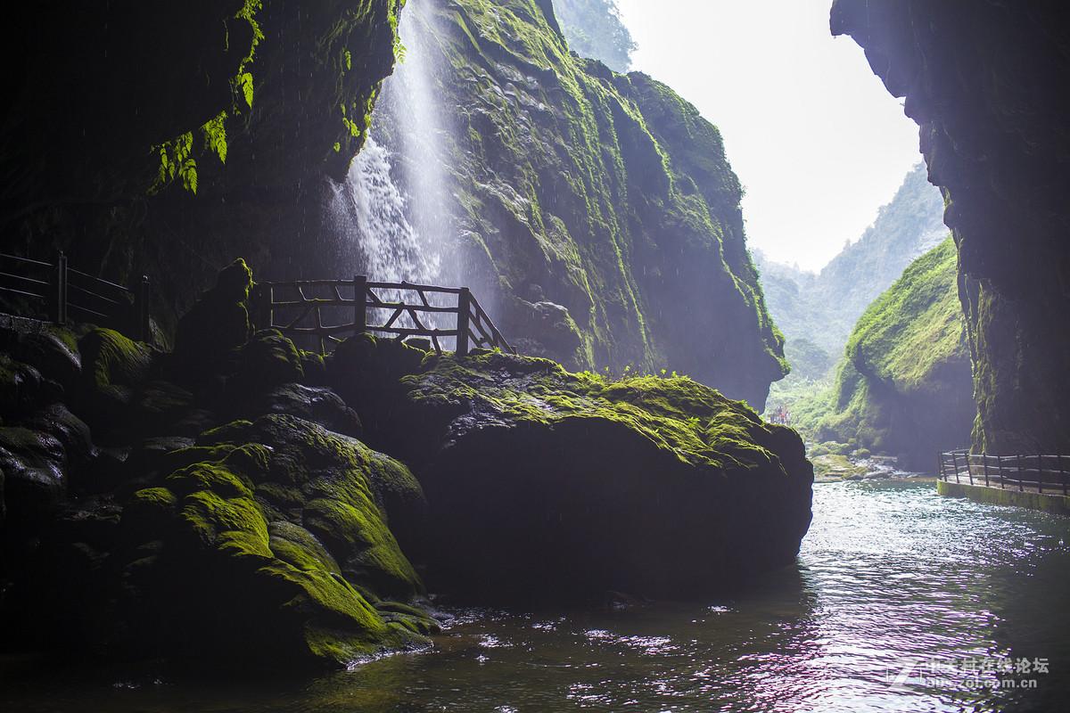 广西通灵大峡谷