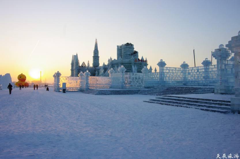 从哈尔滨中央大街、圣索菲亚到冰雪大世界。