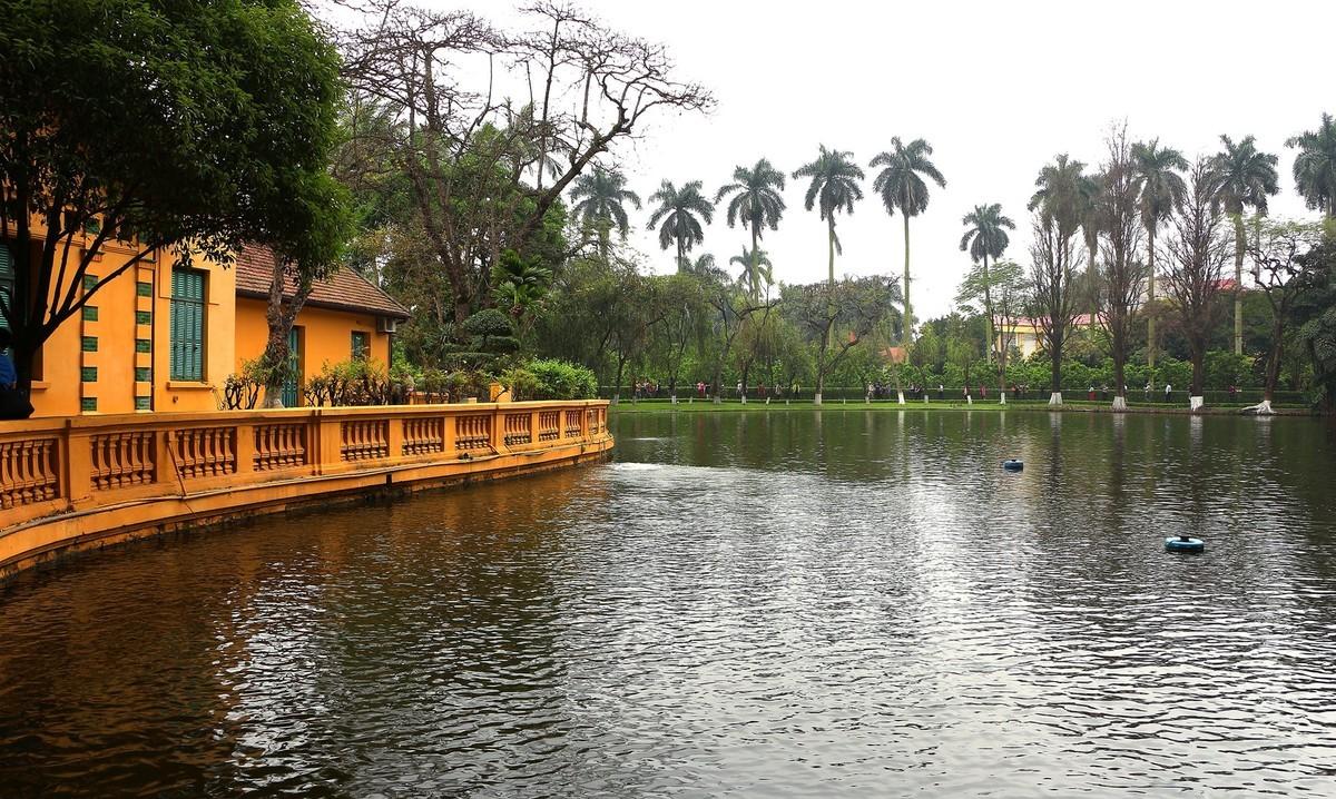 越南河内巴亭广场、胡志明故居、军事搏物馆